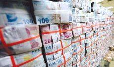 Bilim, Sanayi ve Teknoloji Bakanı Faruk Özlü önümüzdeki bir ay içinde piyasaya 10.3 milyar sıcak paranın gireceğini açıkladı